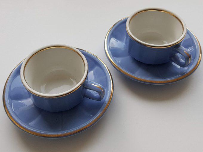 Delaunay Porcelaine France. Koffiekop en schotel blauw met gouden rand. Per set van 2 1