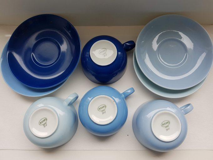 Arzberg Germany DE Theekopjes met schotel, porselein. Per set van 4 x kleuren blauw. 2