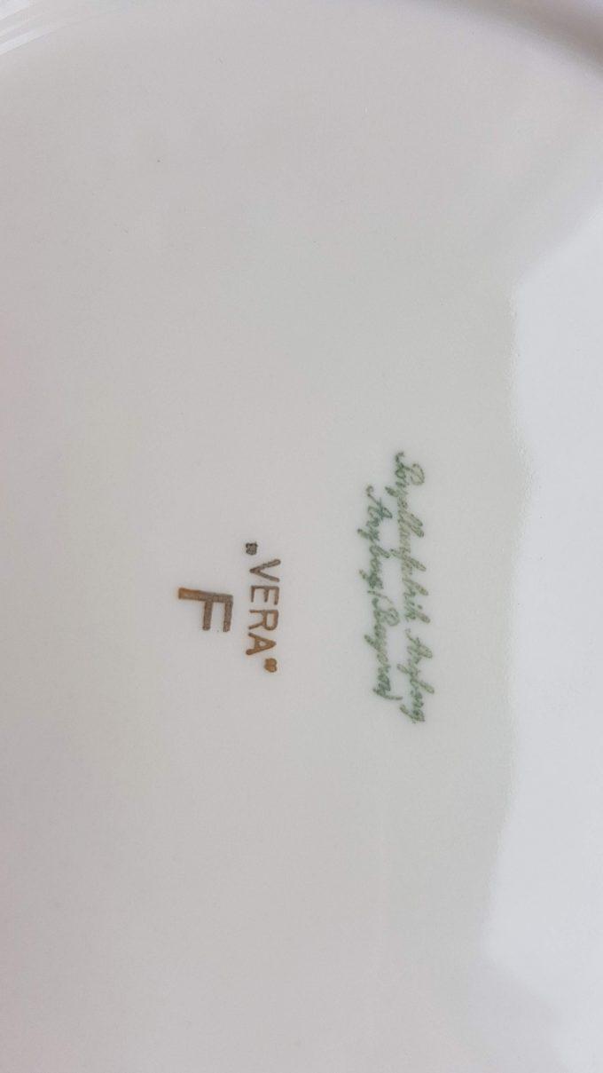 """Arzberg, Porzellanfabrik. design """"Vera"""" F. Botervloot met bloemmotief 3"""