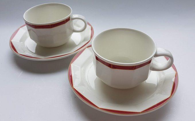 Villeroy & Boch Luxembourg. Varia-Red. Koffie kop en schotel wit met rode rand . Per set van 2 1