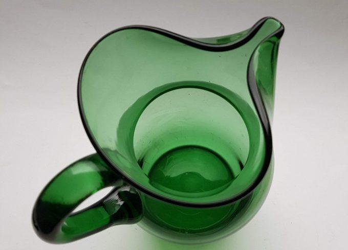 Waterkan hoog met handvat, groen glas 3
