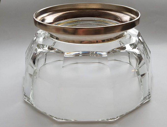 Made in Italy.  Glazen schaal met zilveren voet. 2