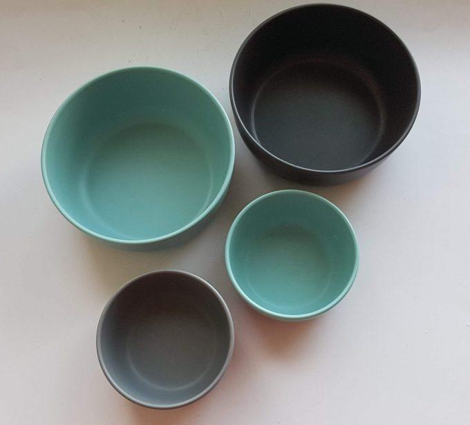 Royal VKB. Schaaltjes in twee kleuren bruin en blauw. Per set van 4 1