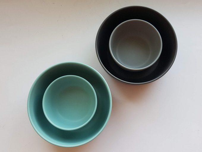 Royal VKB. Schaaltjes in twee kleuren bruin en blauw. Per set van 4 2