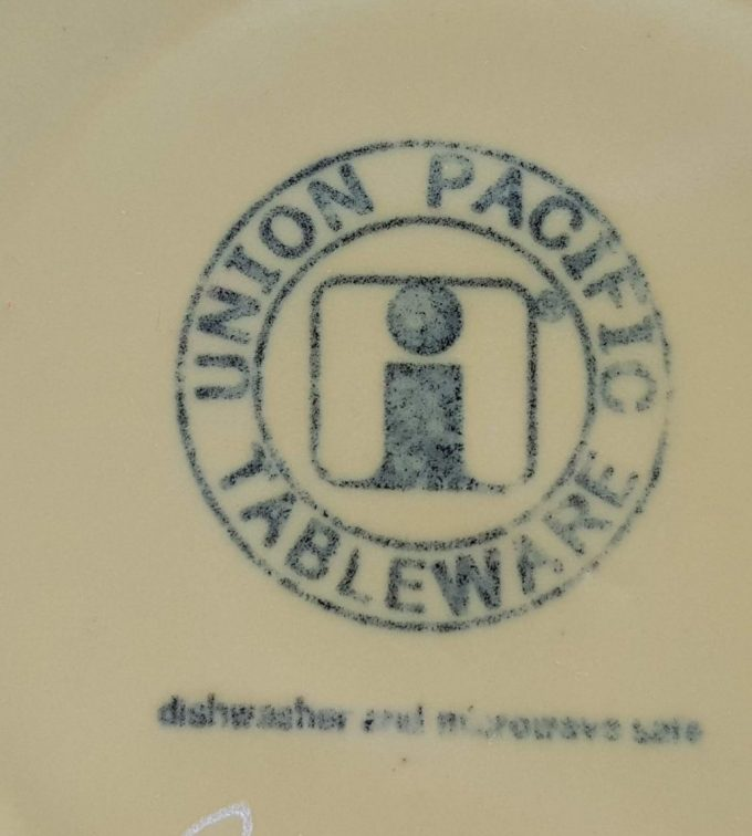 Union Pacific Tableware, Beslagkom, schaal. Kleur wit/geel. 2