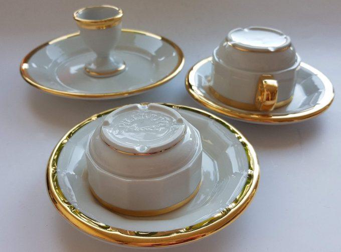 Pillivuyt France. Ontbijtset bestaand uit 4 delen. Wit met Gouden rand. Per stuk. 4