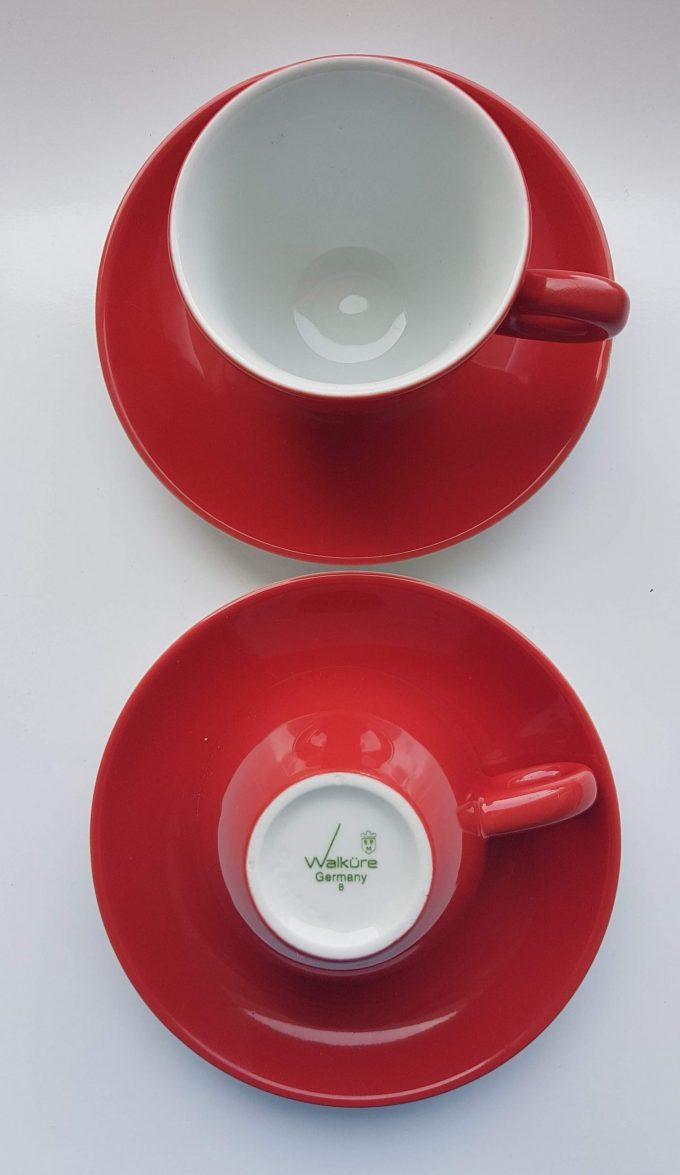Walküre Germany. Koffie kop en schotel rood / wit. Per set van 2. 2
