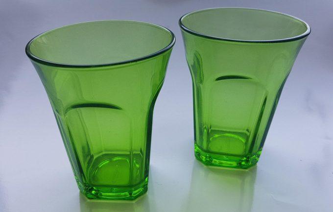 Guzzini Italy. Waterglazen groen glas. Per set van 2 1