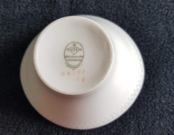 Hutschenreuther Hohenberg 04167. Germany. Suikerpot wit met zilveren rand. Binnenkant versiering. 3