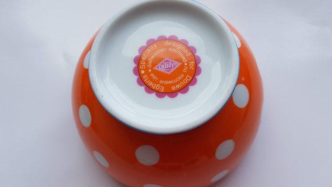 Oilily made for Douwe Egberts. Kommetje rond met polka dot. Roze, Oranje, Blauw. Golfrand. 2