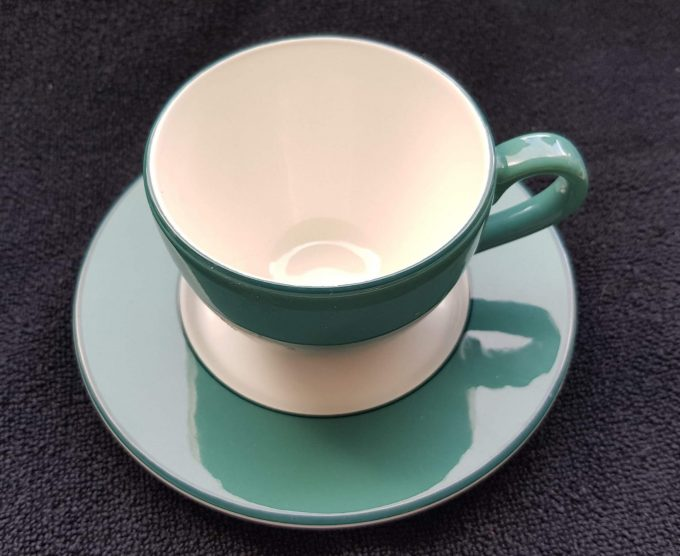 P Made in Italy. Pagnossin. Koffie kop en schotel. Groen wit. Per set van 2 2