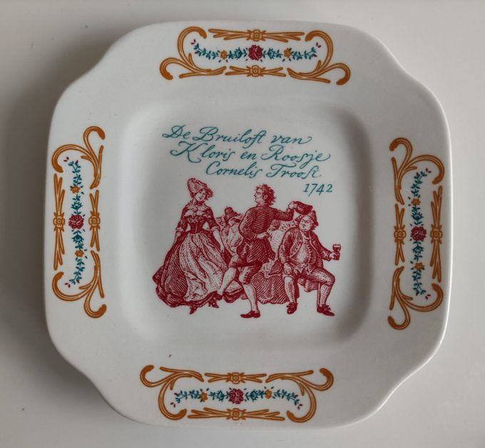 Boch La Louvière. Made in Belgium. Cornelis Troost. Gebaksbordjes vierkant. Blindemanspel. Per stuk 6
