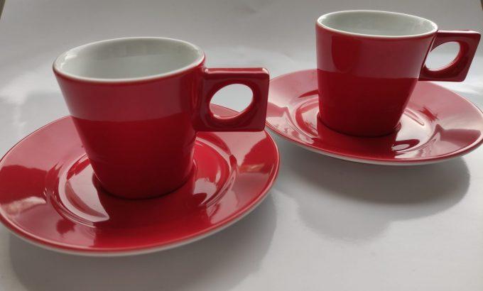 Walküre. Germany.  Espresso / Ristretto kop en schotel. Rood wit. Per set van 2. 2