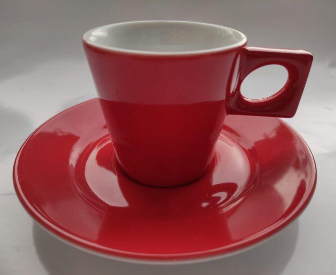 Walküre. Germany.  Espresso / Ristretto kop en schotel. Rood wit. Per set van 2. 1