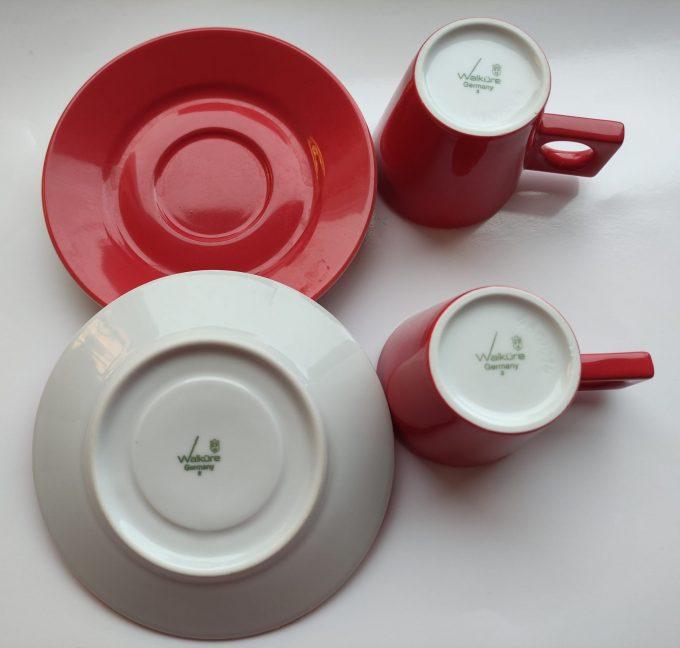 Walküre. Germany.  Espresso / Ristretto kop en schotel. Rood wit. Per set van 2. 3