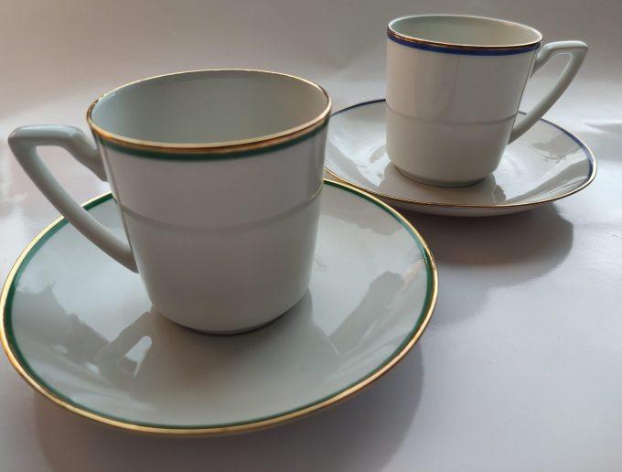 Eschenbach Bavaria-Germany. Koffie kop en schotel Blauw en Groen. Gouden randjes. Per set van 2 3