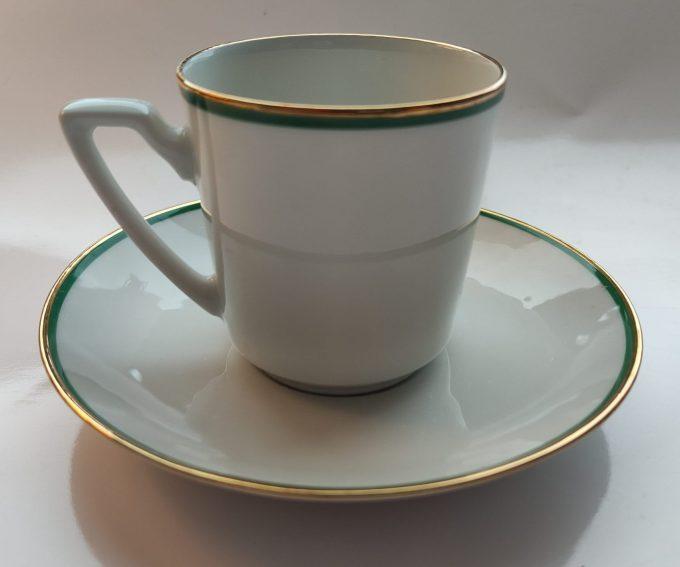 Eschenbach Bavaria-Germany. Koffie kop en schotel Blauw en Groen. Gouden randjes. Per set van 2 1