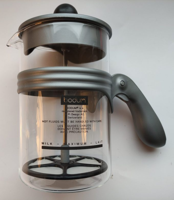 Bodum Pi Design Switzerland. Melkopschuimer glas met kunsstof handgreep. Voor bv. Cappuccinno. 1