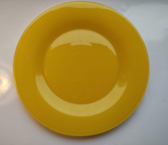 Arcoroc Arc France. Dinerborden geperst geel glas. Per stuk. 1