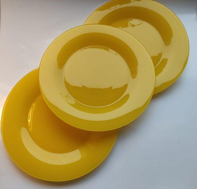 Arcoroc Arc France. Dinerborden geperst geel glas. Per stuk. 2