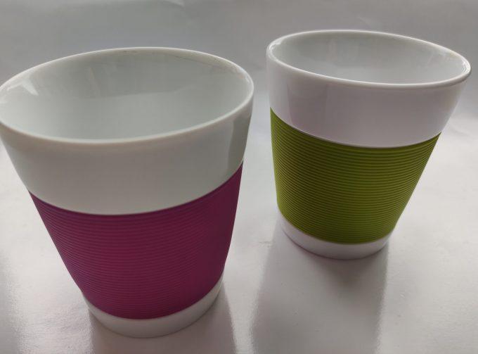 Bodum. Made in Switzerland. Pi-Design. Bekers wit/groen en wit/paars. Set van 2 1