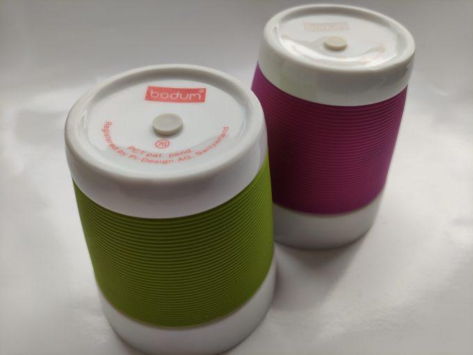 Bodum. Made in Switzerland. Pi-Design. Bekers wit/groen en wit/paars. Set van 2 3
