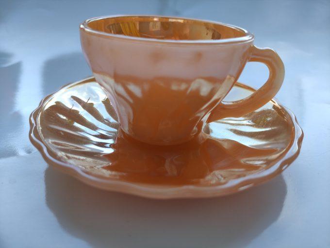 Anchor Hocking. Fire King. Made in the U.S. A. Espresso Kop en schotel oranje. Persglas. 1