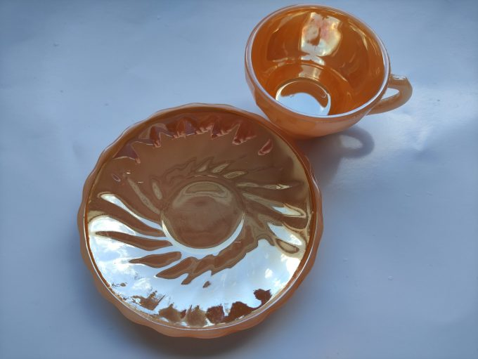 Anchor Hocking. Fire King. Made in the U.S. A. Espresso Kop en schotel oranje. Persglas. 3