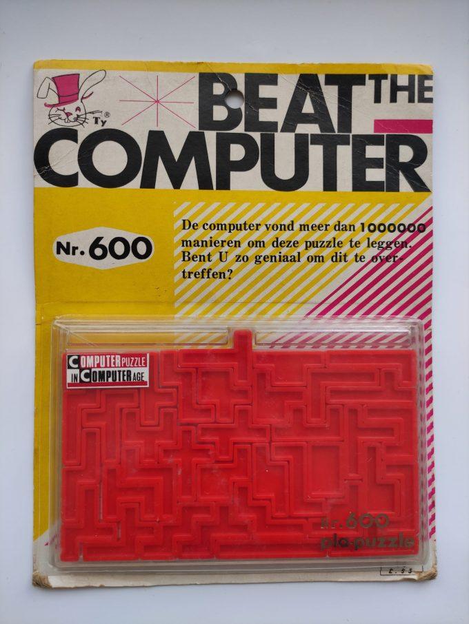 A. Yamada 1969. Beat The computer nr. 600 . PLA Puzzle. 11 x 19 cm. 35 stukjes. In originele verpakking. 1