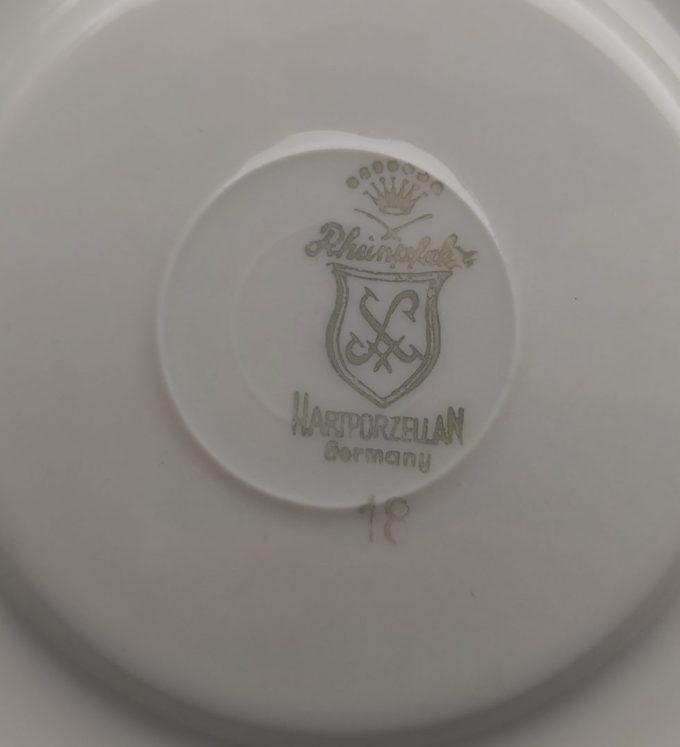 Rheinpfaltz Hartporzellan Germany. Espresso moka kop en schotel. Bloemmotief met gouden rand. 3