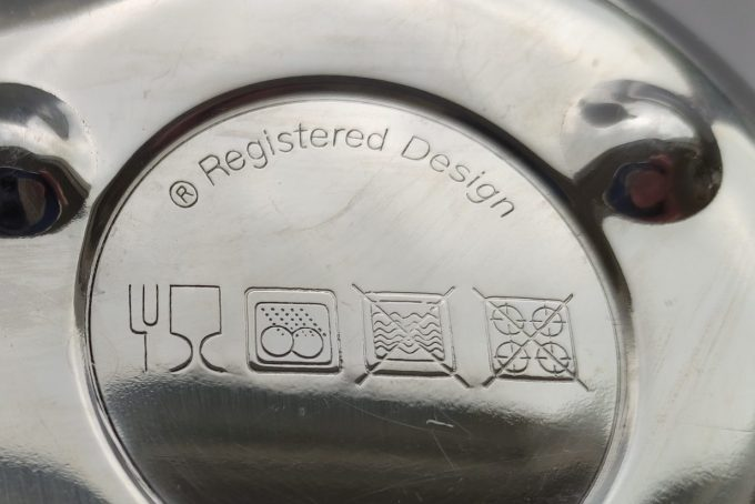 Dubbelwandige theepot RVS. 1.2 liter. Registered Design... 2