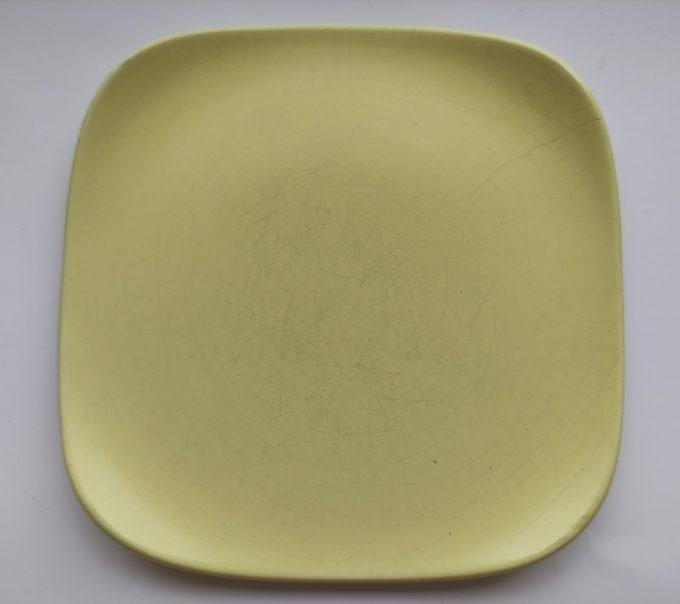 Flora Porcelina. Gouda Holland. Vierkante gebaksbordjes. 5 Pastel kleuren. Set van 5 3