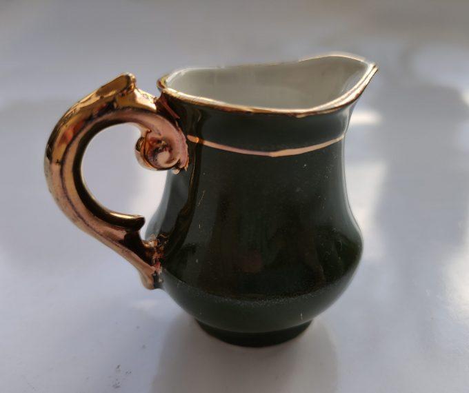 Koffie of Mokka of Kinder servies? Groen Wit met Gouden randen. 9 delige Set 4